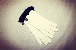 guanti moschino con cuoricini 18