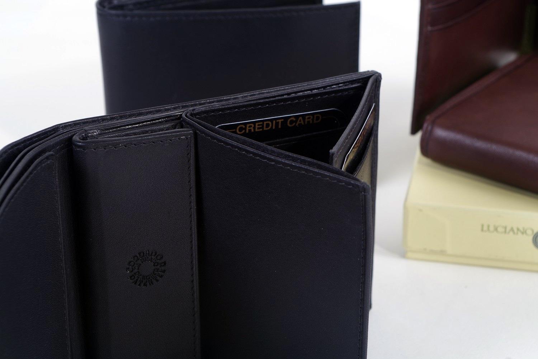 Portafoglio e Portacarte G. Ferrè in pelle liscia nera e semilucida  due  modelli con porta banconote e numerosi vani portacarte 61ae8e58c98d